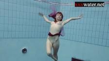 Порно в бассейне русское