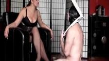 Смотреть порно русская госпожа туалетные рабы